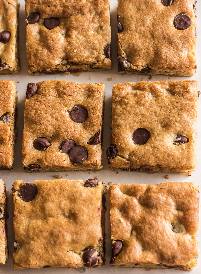 Best Soft and Chewy Easy Chocolate Chip Blondies