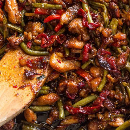 Garlicky sweet thai chili chicken and green beans stir fry forumfinder Gallery